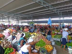 P1040116 - Obst- und Gemüsemarkt